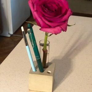 Concrete vase and pencil holder